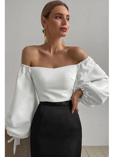 BLACK&GRACE Kadın Siyah Çift Balon Kollu Bluz Beyaz